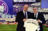 Rafa-Benitez-Unveiled-at-Real-Madrid[1]